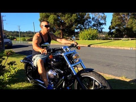 Harley Davidson Softail Breakout FXSB Vance and Hines
