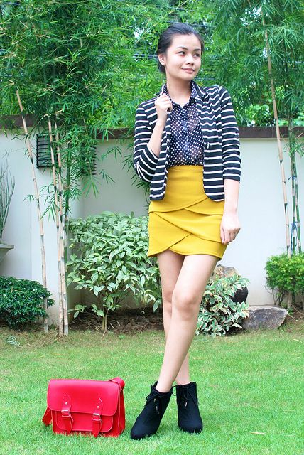 >>one of the great bloggers i follow.. i admire her for her flexibility.. =)) her name is Vern.