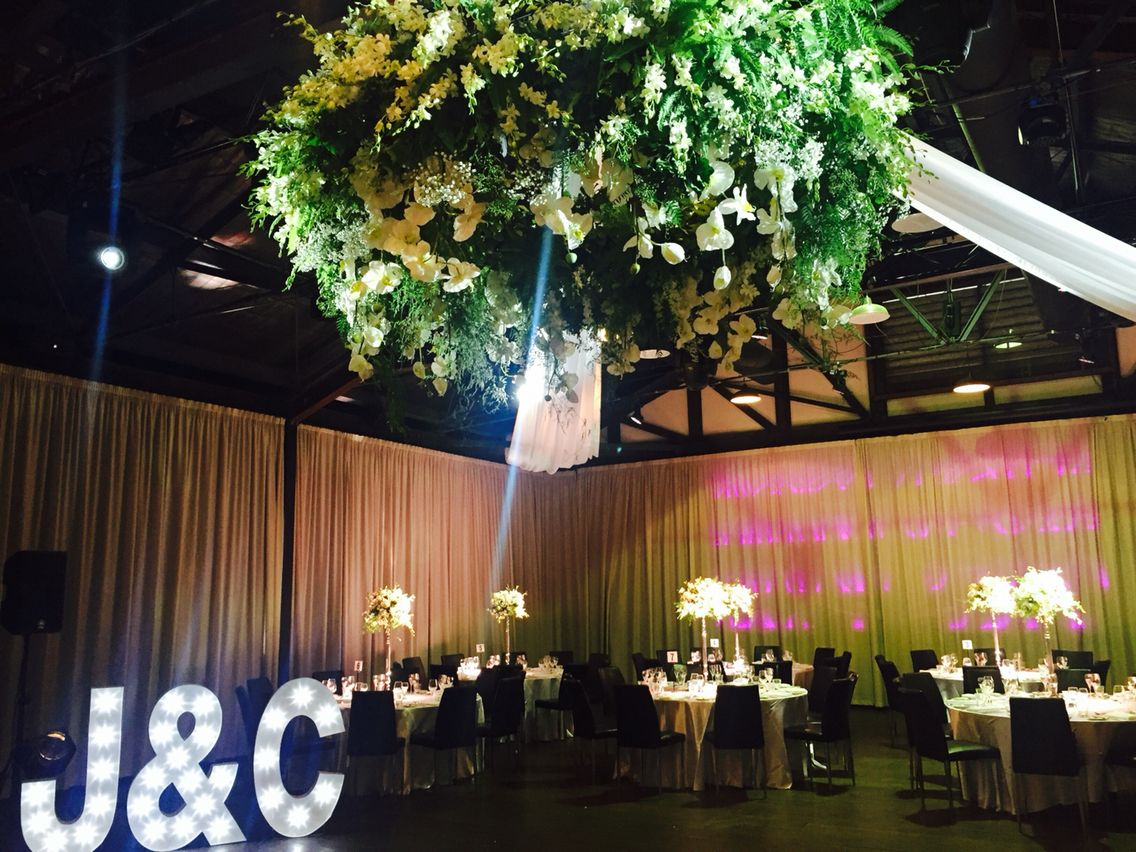 Decoritevents wedding floral chandelier wedding centerpieces decoritevents wedding floral chandelier wedding centerpieces floral chandelier wedding flowers arubaitofo Image collections