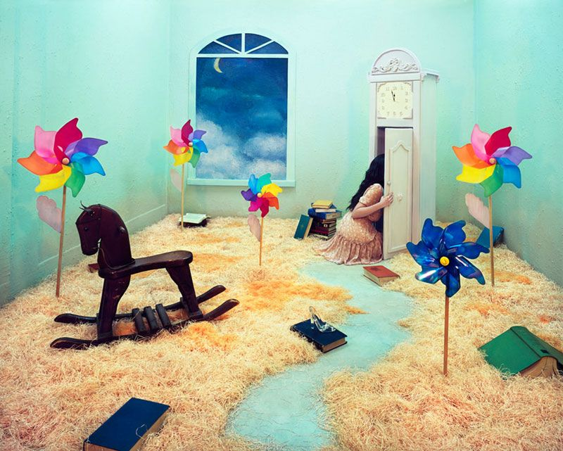 Artist Transforms a Single Room into a Series of Surreal Fantasy Worlds «TwistedSifter
