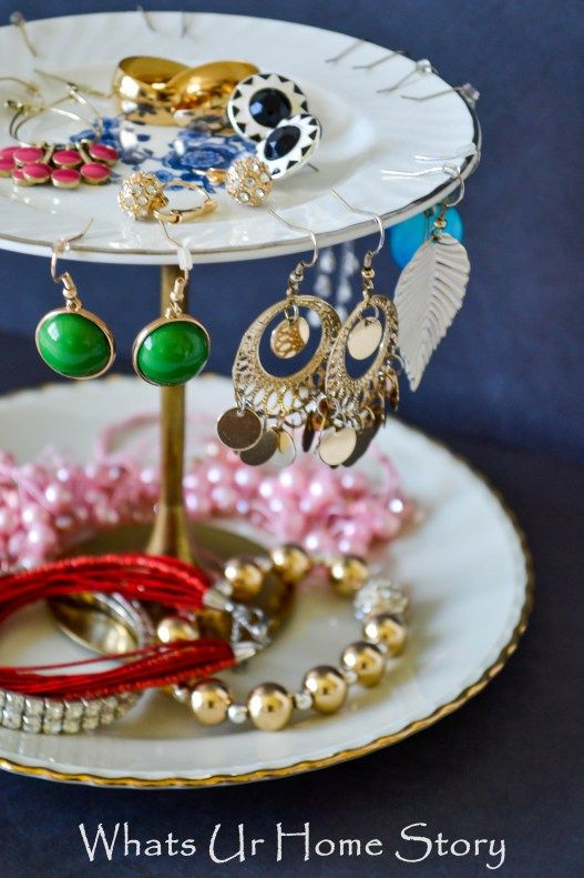 Simple Easy Jewelry Organizers Vintage plates Jewelry stand and