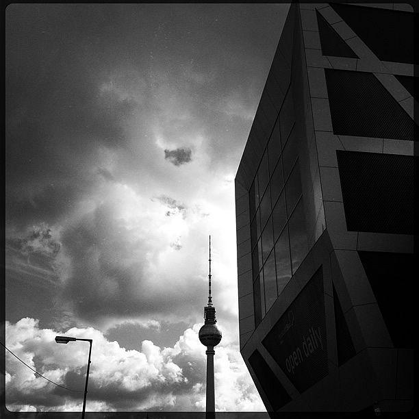 Fernsehturm, Mitte