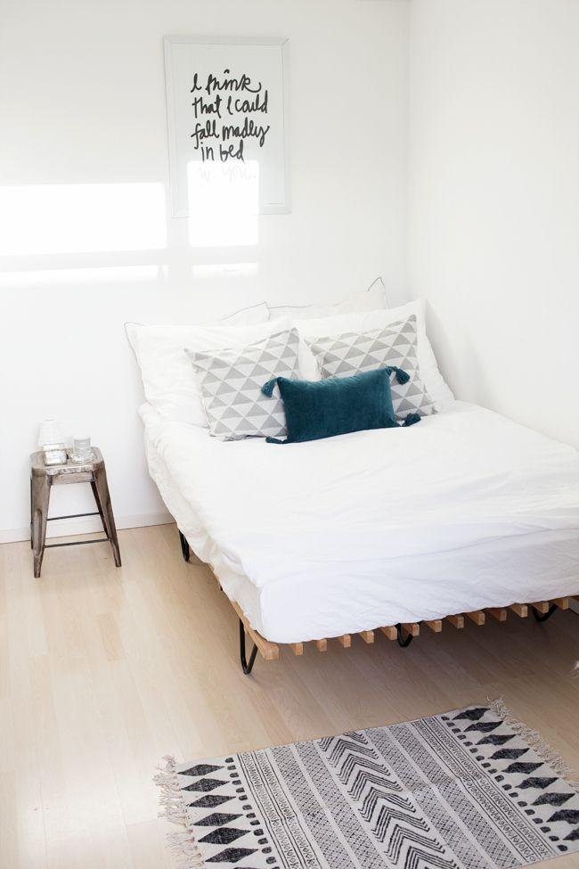 Idea para colocar los cojines en la cama una l mina para for Como decorar una cama