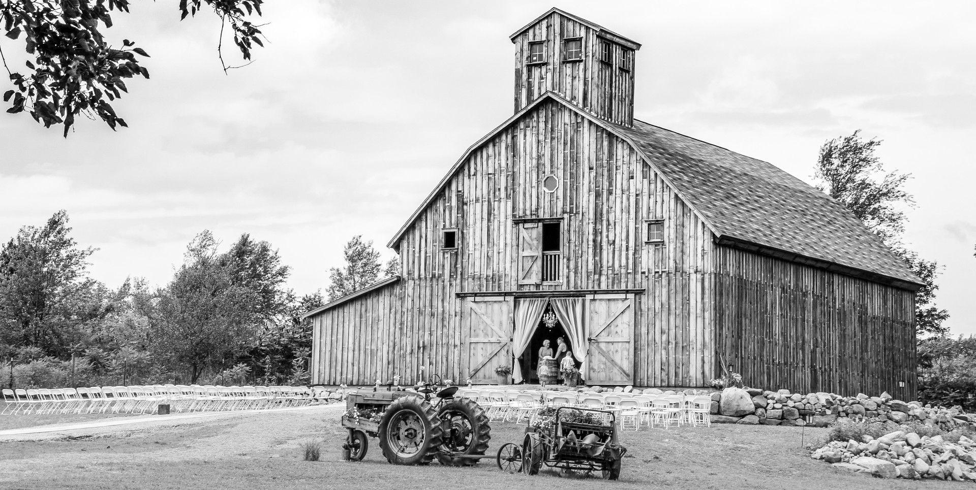 Rustic wedding barn located in Allen Michigan (Hillsdale