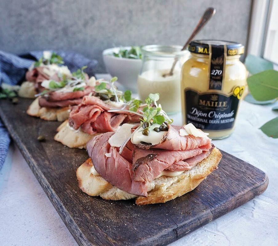 Roast Beef Crostini with Dijon Horseradish Sauce images