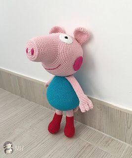 George Pig amigurumi con sus botitas rojas. Un patrón sencillo e ideal para los niños.