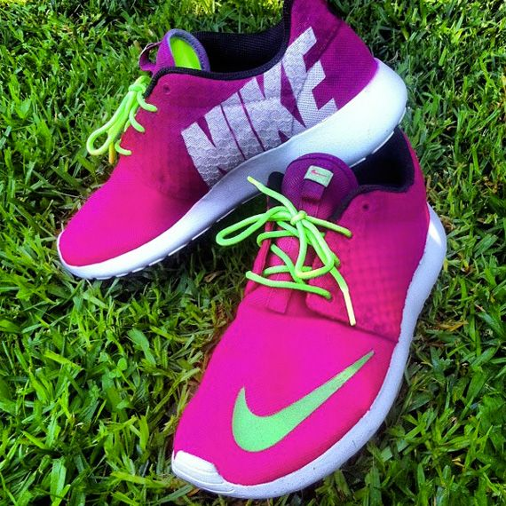 nike pink free expressions