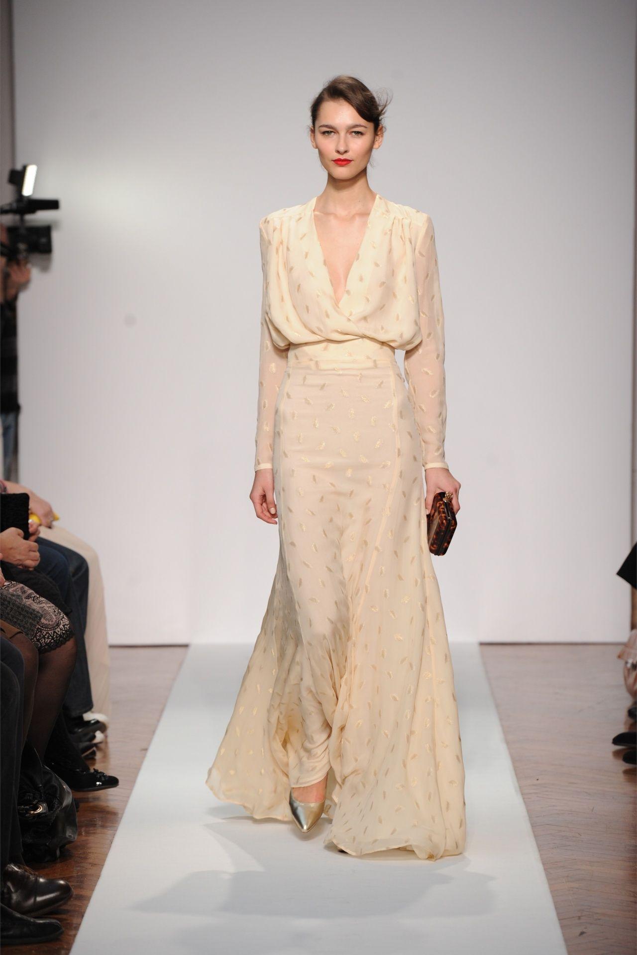 Ghim trên 2dayslook - Nude Dress