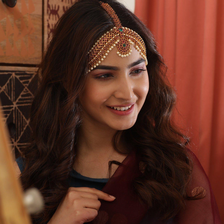 Suvarna Antique Damini in 2020 | Pakistani bride hairstyle, Pakistani bridal hairstyles ...