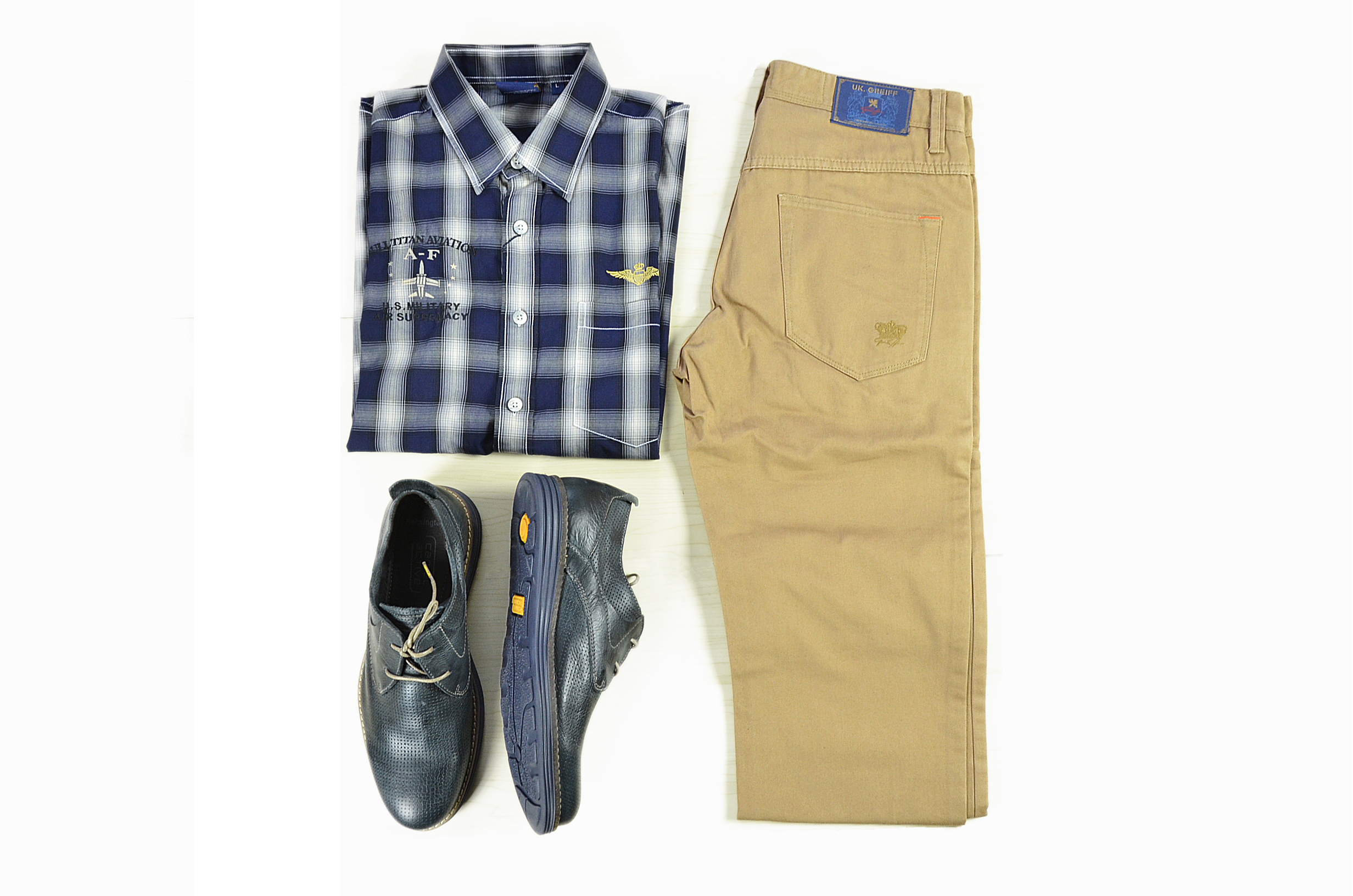 Shirt: Bull Titan Pants:UK Greiff Shoes:Camel Active