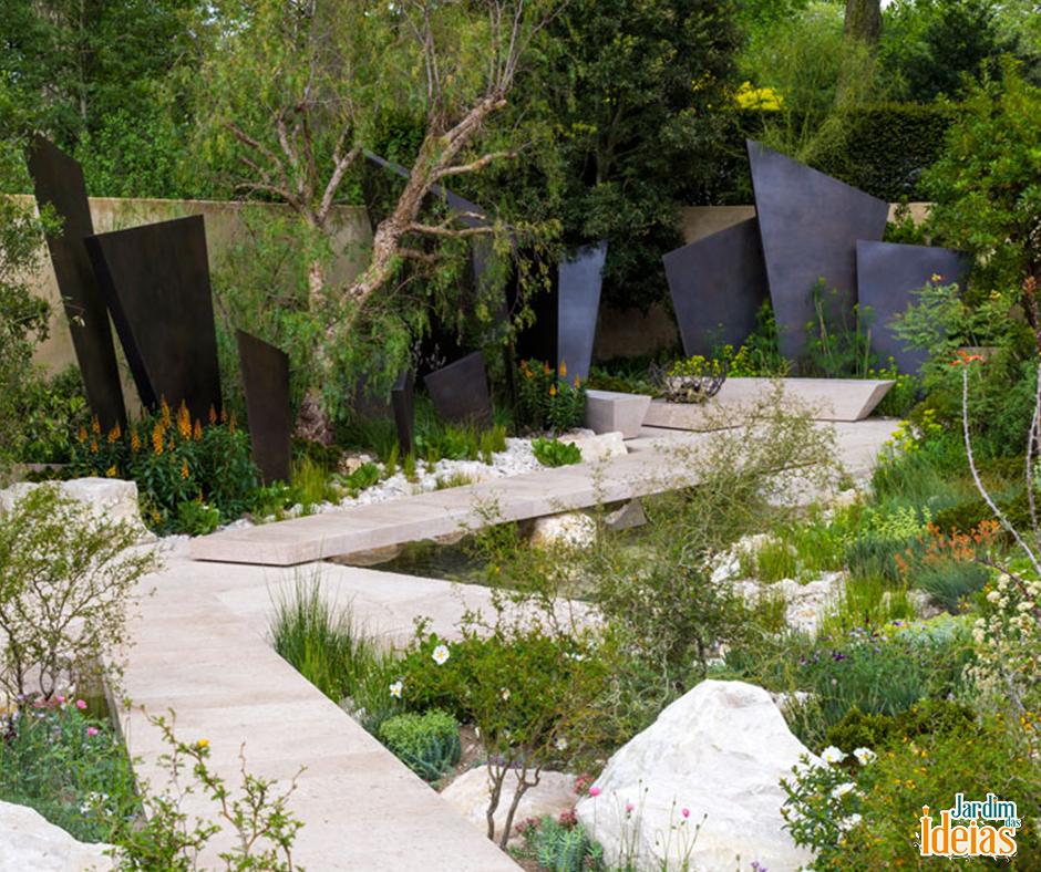 O The Telegraph Garden foi um dos vencedores do RHS Chelsea Flower Show! Criado pelo paisagista inglês Andy Sturgeon, ele é inspirado na magnitude dos eventos geológicos que moldaram o nosso mundo há milhares de anos. Gostou?