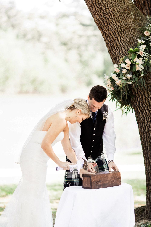 25 Creative Wedding Rituals That Symbolize Unity in 2020