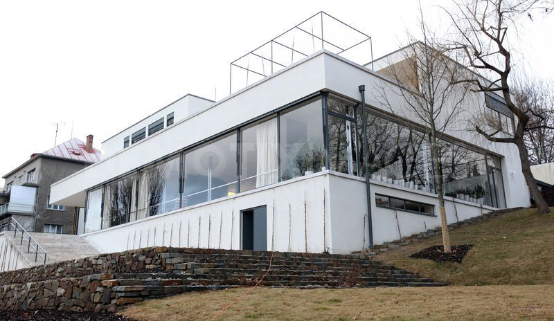 exterior of the tugendhat house mies van der rohe 1930 brno czech republic ludwig mies. Black Bedroom Furniture Sets. Home Design Ideas