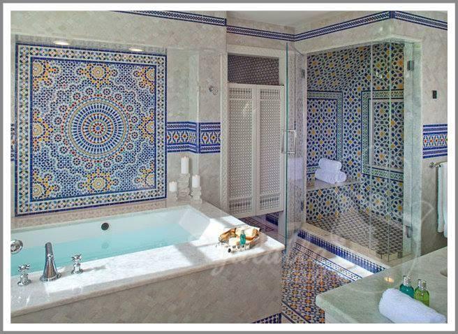 أجمل حمام مغربي Moroccan Bathroom بالزليج المغربي التقليدي سترونه على الأطلاق موقع يالالة Yalalla Com عالم المرأة بعيون مغربية Tuscan Bathroom Bathroom Tile Designs Moroccan Bathroom
