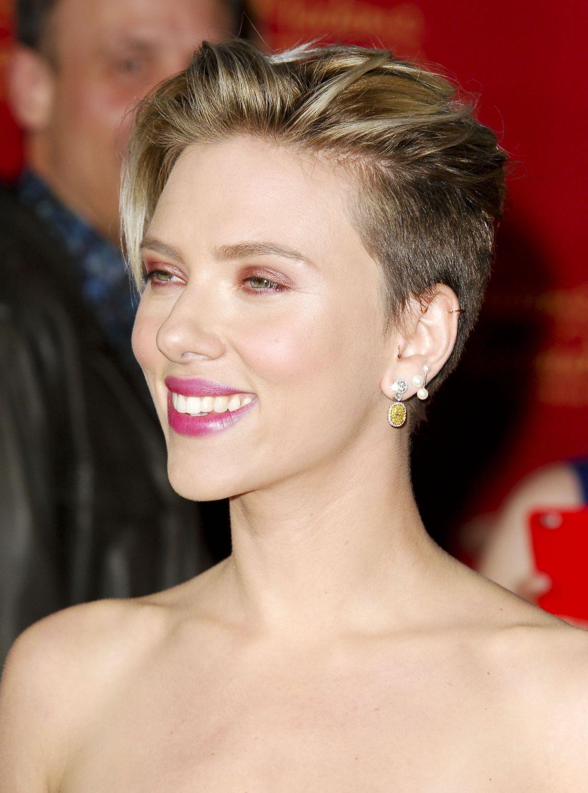 Scarlett Johansson Kurzhaar Frisuren Hochsteckfrisuren Kurze