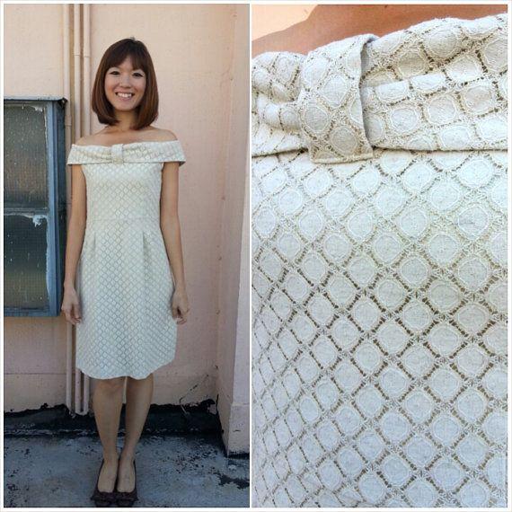 SALE/ Vintage Dress/ Little Crème Dress/ Lace Dress/ Medium/ Japan/ Party Dress/ Off shoulder dress/ Dinner Dress/ Cocktail Dress