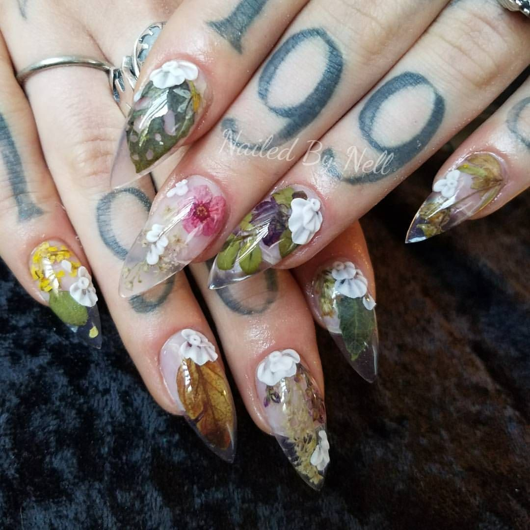 nails #pointynails #flowers #nailedbynell   Nails   Pinterest