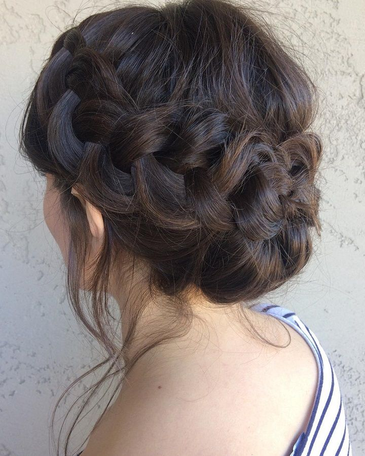 Braided crown wedding hairstyle #weddinghair #braidedcrown #hairstyle #weddinginspo #upstyle #bridalhair #bridesmaidhair