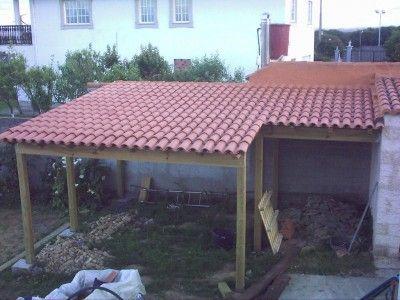En esquina con tejado de teja barbacoas cocinas y for Tejados para pergolas