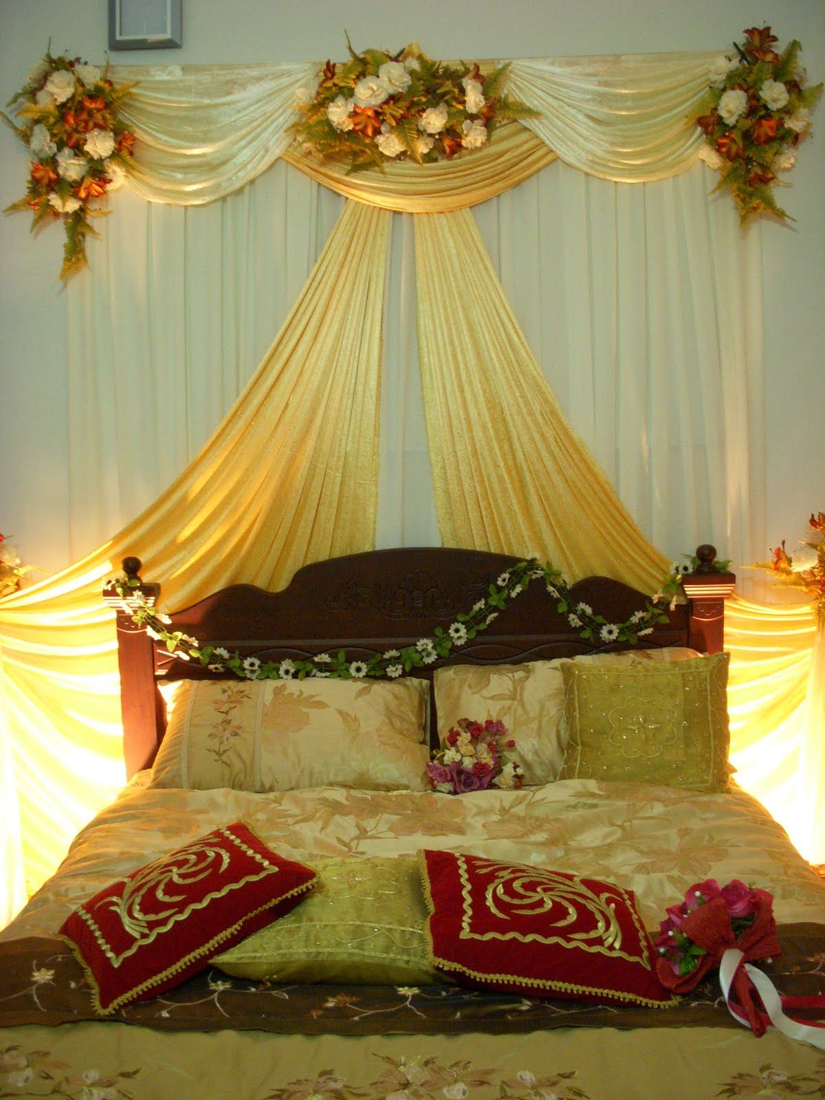Romantic bedroom at night - Romantic Bedroom Decoration Ideas For Wedding Night Is One Of The Most Attractive Function In Wedding Night Romantic Bedroom Decorating Id
