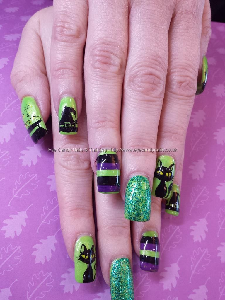 Green Black And Purple Freehand Witchy Halloween Nail Art Halloween Nail Art Halloween Nails Nails