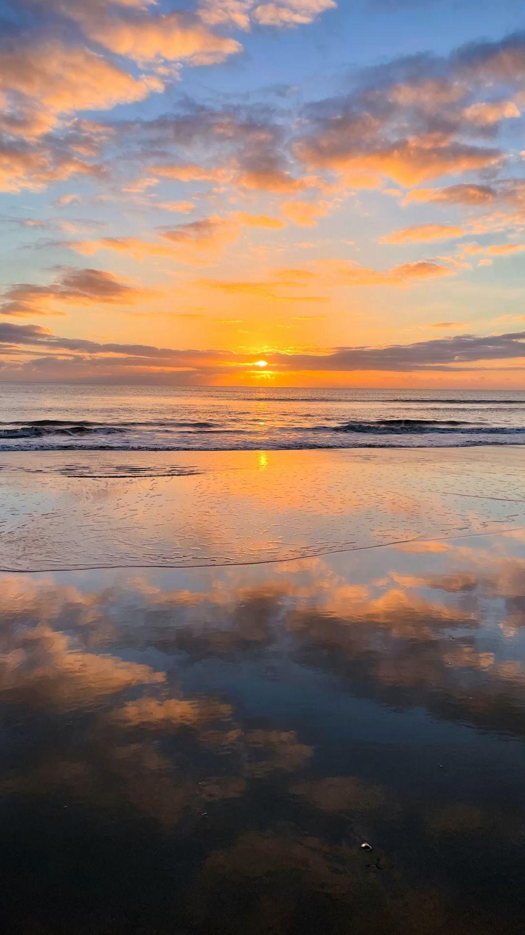 Sunrise on the beach 🏝