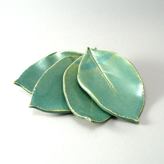 Maudjesstyling: Four Small Leaf Plates Made from Leaves Impressed by cherylwolff
