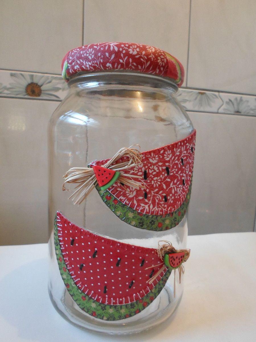 54dc4ede5 Pote de vidro utilitário e decorativo com aplicação de tecido caseado  (bordado) no vidro e tampa de tecido. O modelo do vidro é de palmito com a  tampa de ...