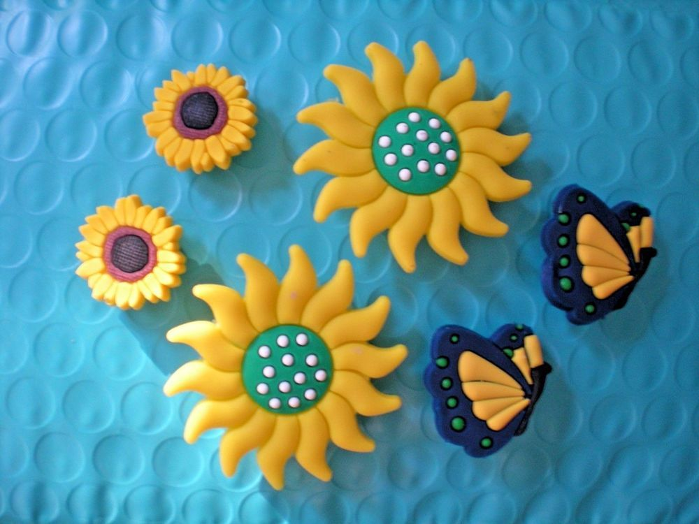 479f9917b6a845 Jibbitz Croc Clog Shoe Charm Disney Butterflies Flower For Accessories  Wristband