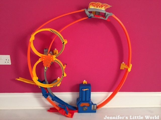 Review Hot Wheels Super Looper Track Set Toys Games Pinterest