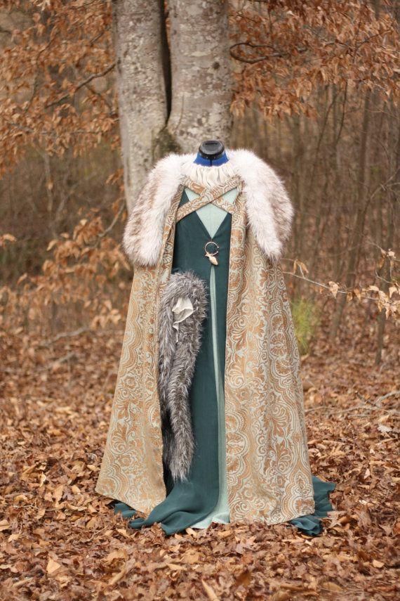 39494468 Women's Cloak Medieval Fur Collar Winter by WindblownFlower ...