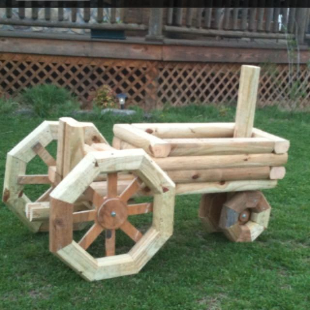 Tractor planter craft pinterest tractor planters for Outdoor wood projects ideas