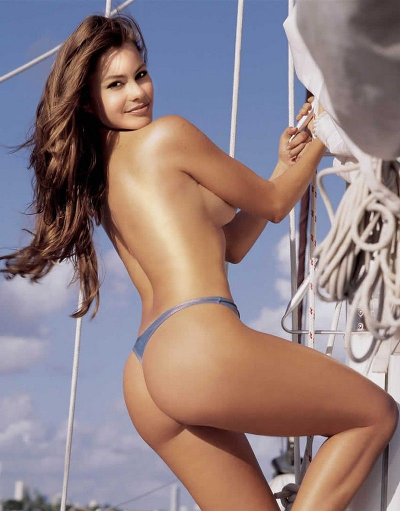 Watch Sofia Vergara's Mexican Ass In A Thong For Pepsi video