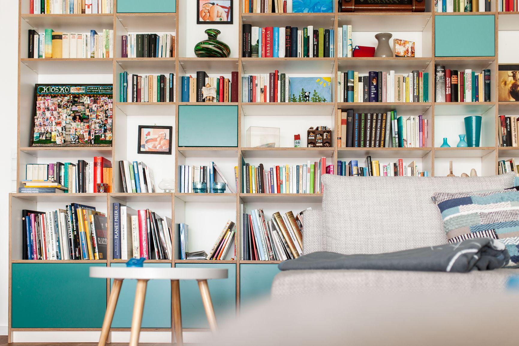 Wandregal Aus Weiß Lackierten Multiplex Und Bunten Türen Konfigurieren Sie Ihr Individuelles Möbelstück Bei Pickawood Regal Konfigurator Regal Haus Deko