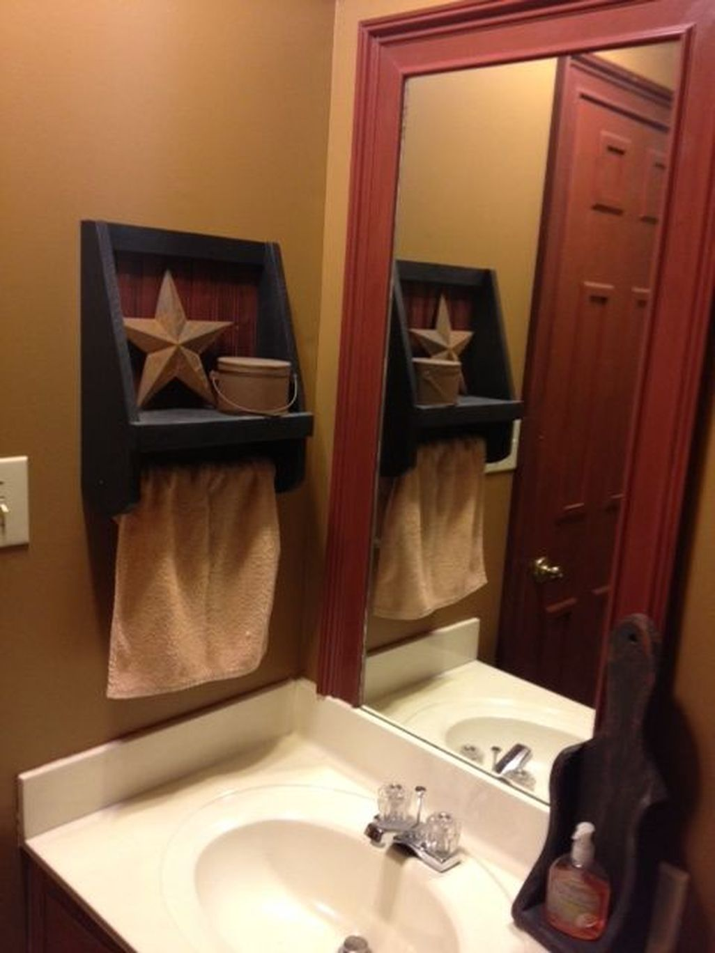 7+ Awesome Country Mirror Bathroom Decor Ideas in 7