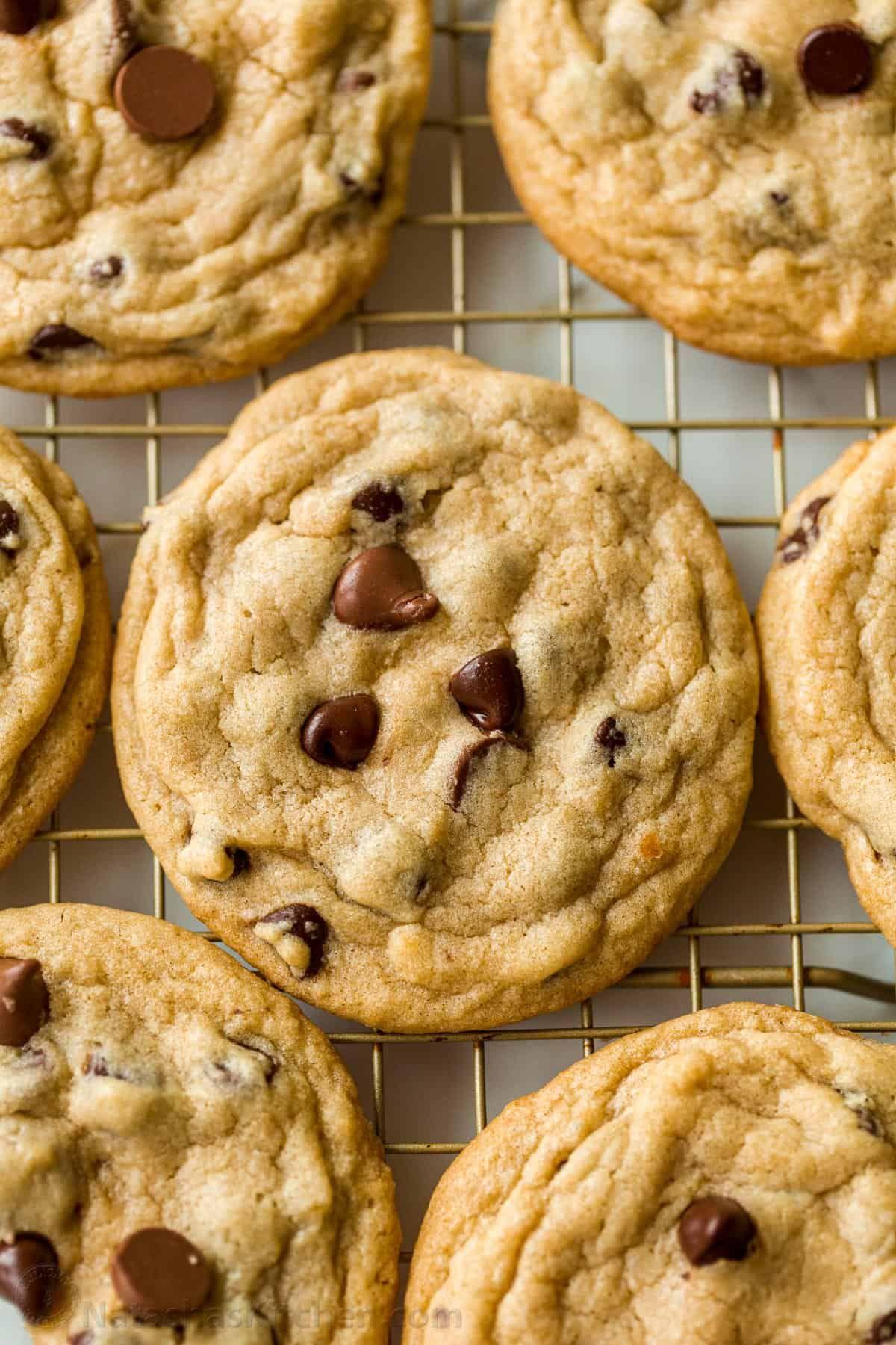 Soft Chocolate Chip Cookies (VIDEO)- NatashasKitc