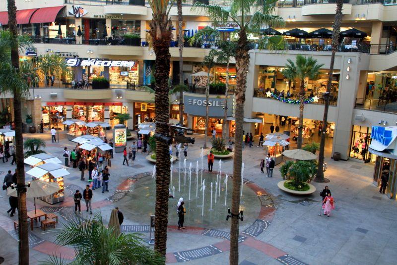 Los Angeles Mall Mall On Hollywood Blvd Los Angeles Los Angeles Shop Wallpaper Los Angeles Mall