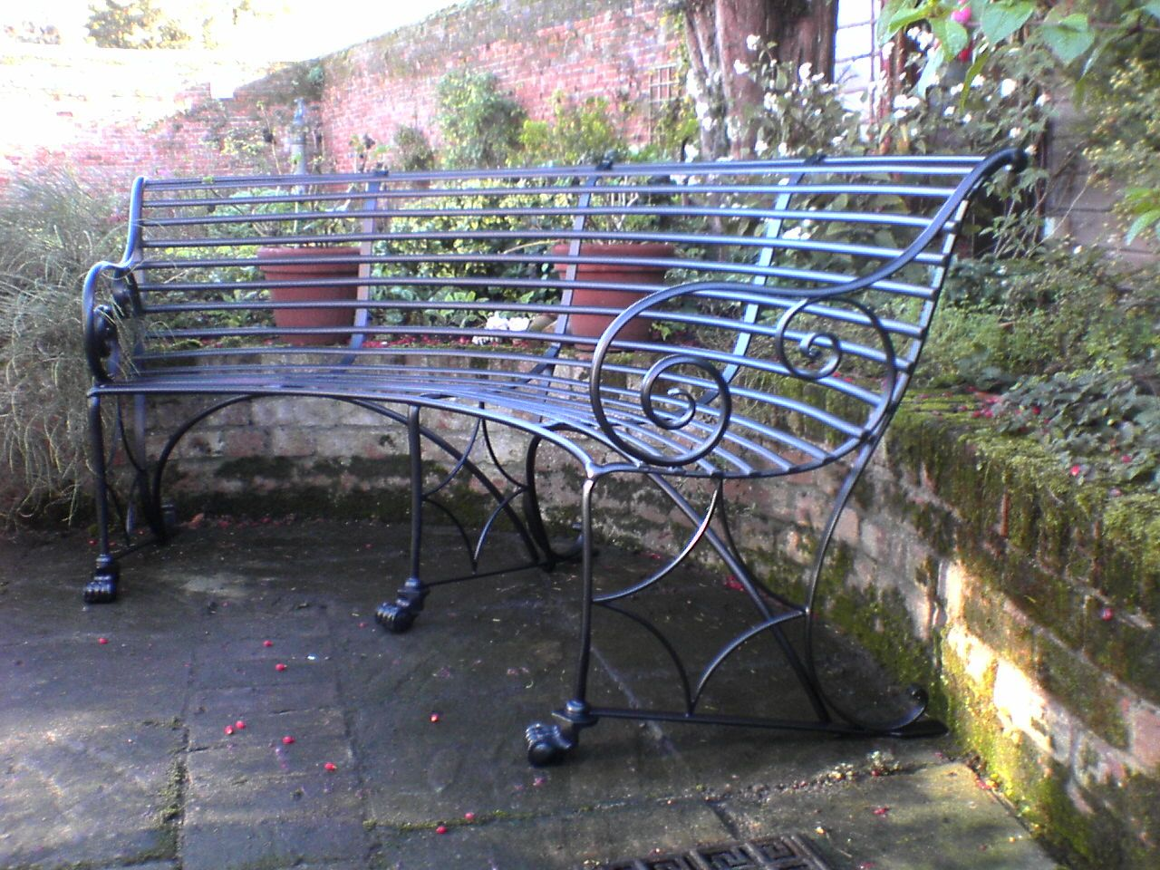 Curved Metal Outdoor Benches Curved Garden Bench Designed To