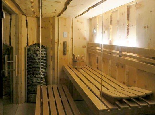 Sauna in Sonderform Holzart Zirbe Saunas - steamed and dry