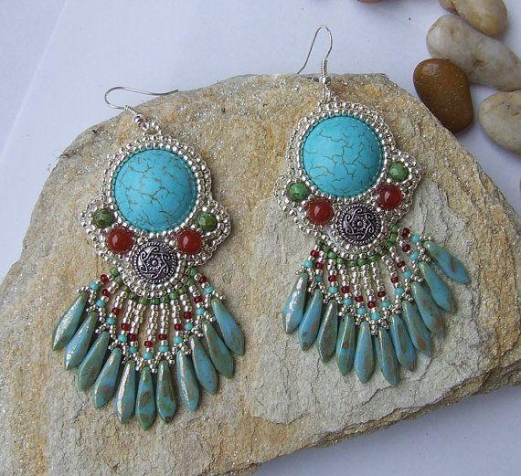 Cosa bella y extraña... Bead embroidered earrings Mexican queen Czech por gyongymuhely, $60.00
