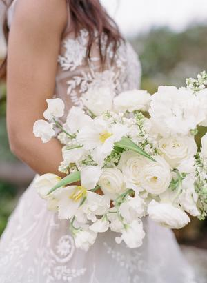 Champagne and Ivory Old World Charm Wedding Inspiration #whitebridalbouquets