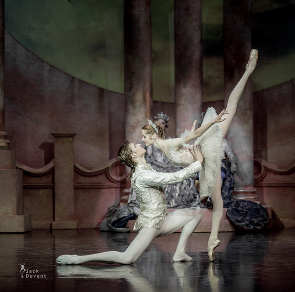 Alena Shkatula as Aurora and Denis Klimuk as Désiré in the