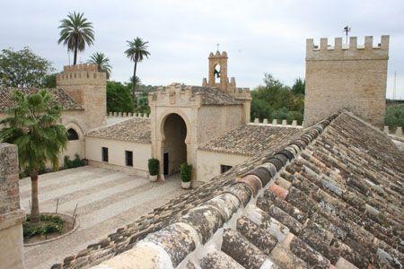Hacienda talhara benacaz n sevilla cortijos andaluces for Alquiler de casas en benacazon sevilla