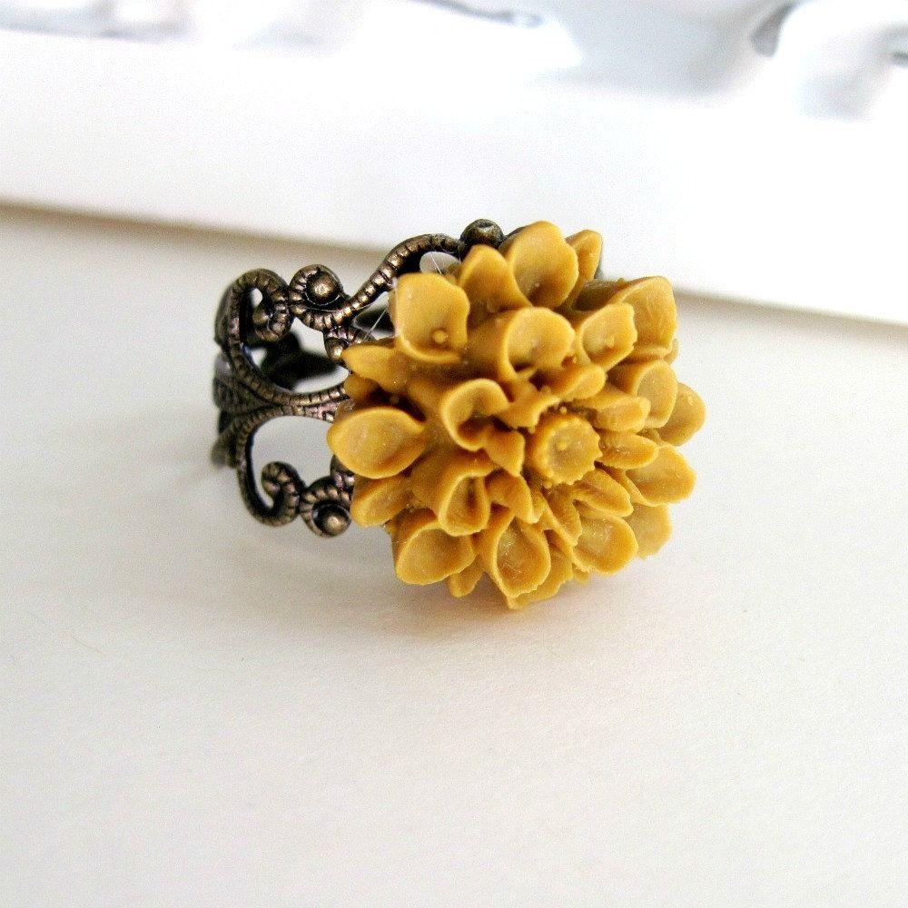 Mustard Yellow Flower Ring Dahlia Flower Vintage Style Ring Cocktail Ring Filigree Ring Bridesmaid Gift Bu Yellow Flower Ring Vintage Style Rings Flower Ring