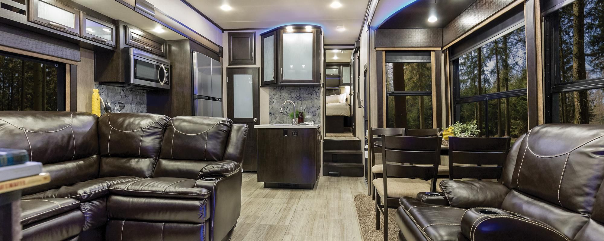 Luxury toy haulers wow blog - Front living room 5th wheel toy hauler ...