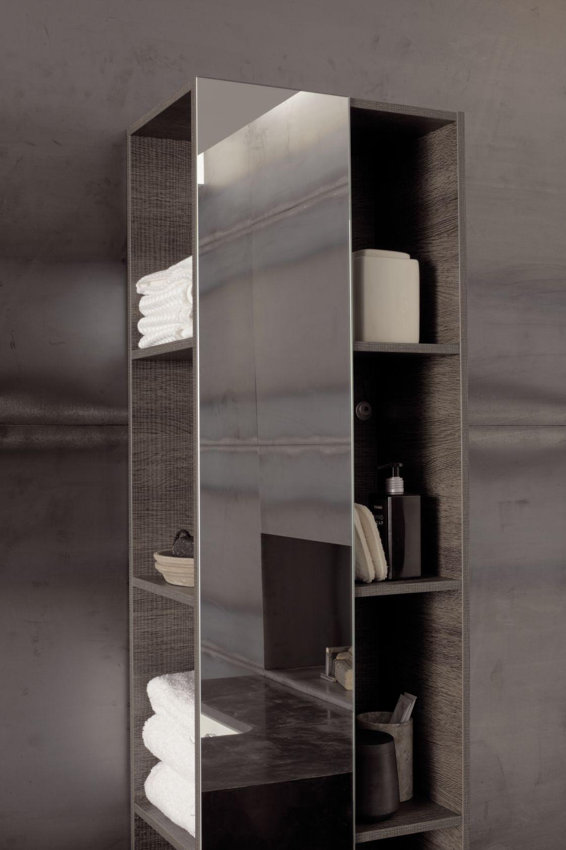Étagère de salle de bains avec miroir, et compartiments de ...