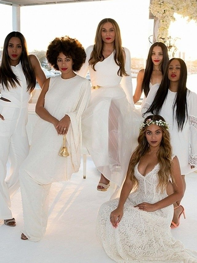 See Beyonce And Solange S Bridesmaids Outfits For Mum Tina S Wedding Tina Knowles Celebrity Weddings All White Wedding