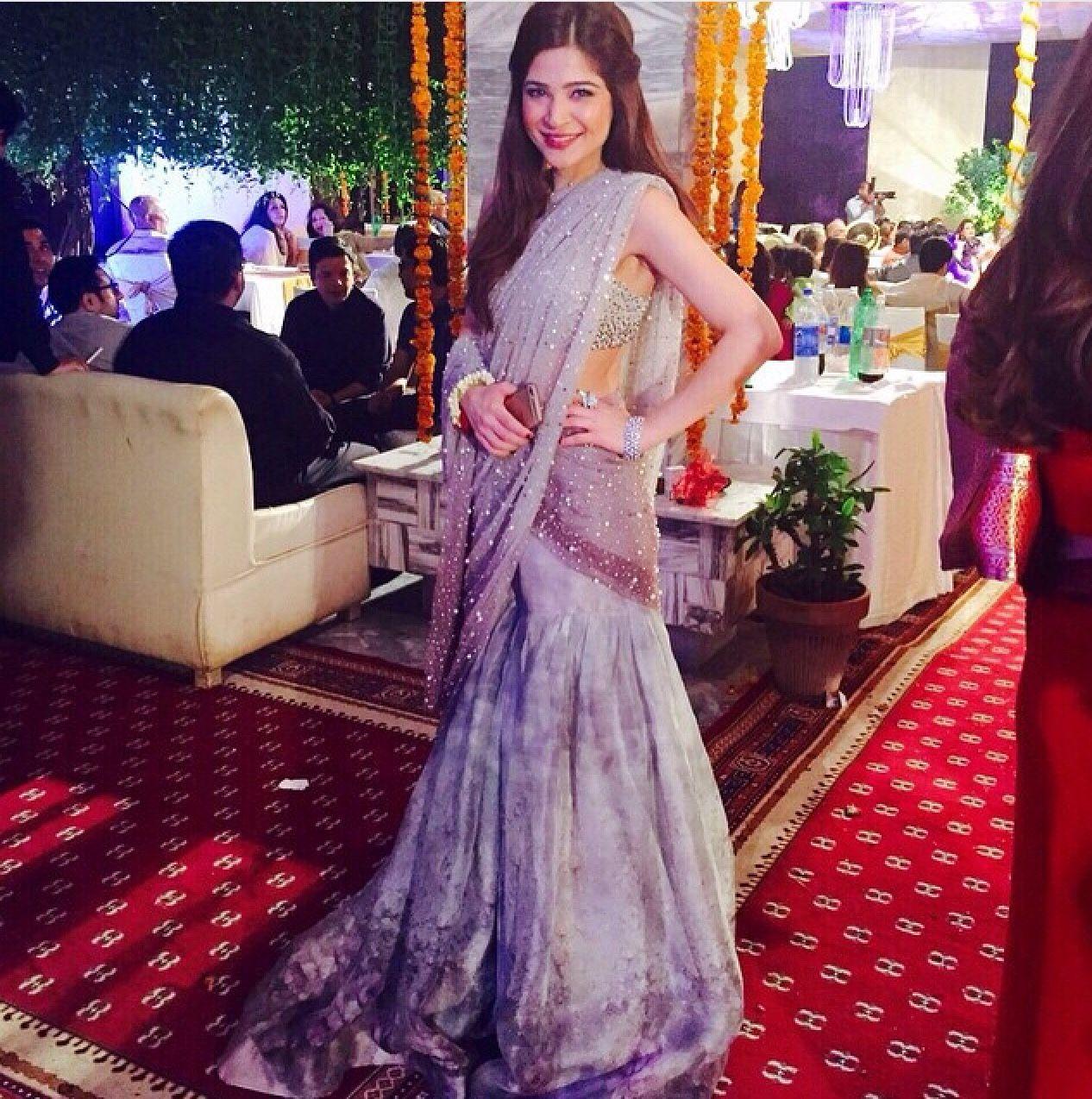Hairstyle Girl Jora: Highfashionpakistan: Pakistani Actress Ayesha Omar Wearing