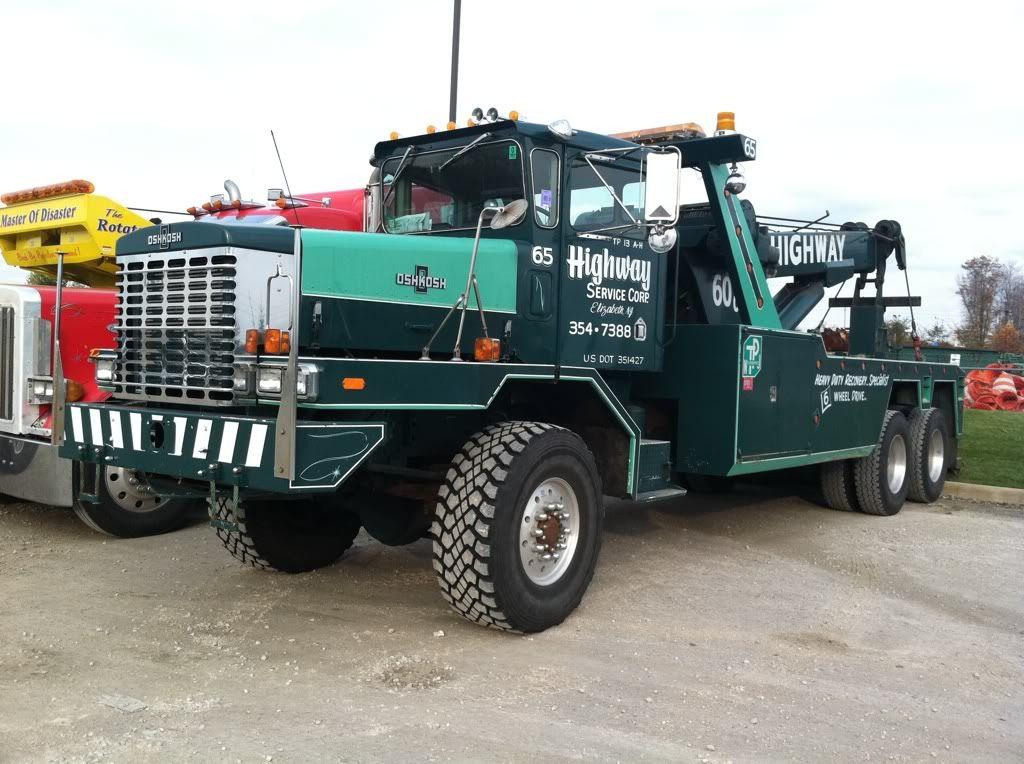 Oshkosh F-1840 Wrecker Tow Truck | Heavy-Duty Wreckers | Trucks