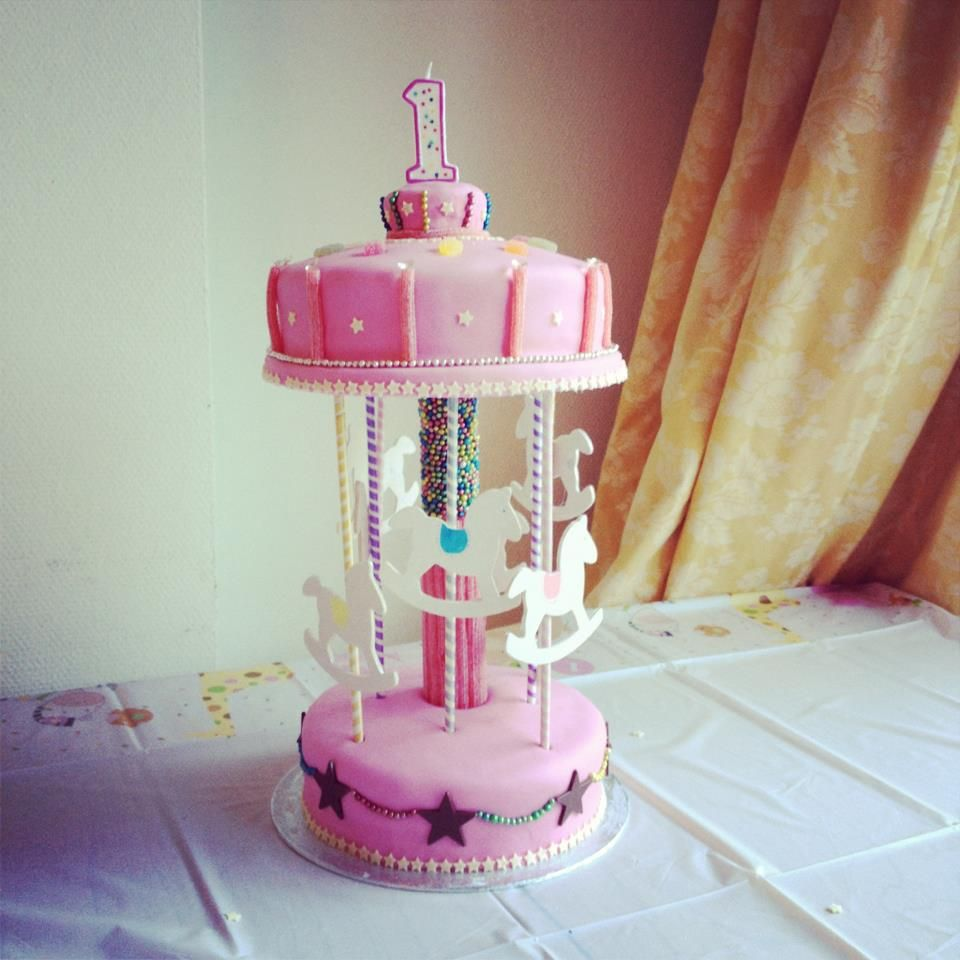 Carousel cake for my 1 year old daughter Agents Of Cake